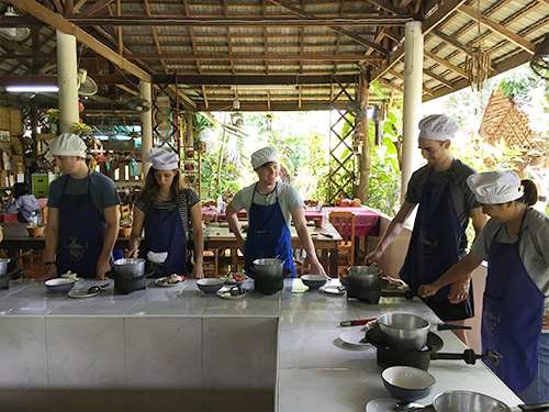 cook-thai-food-chiangmai
